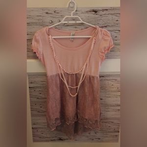 Large Pink Capped Sleeve Lace Shirt w Necklace
